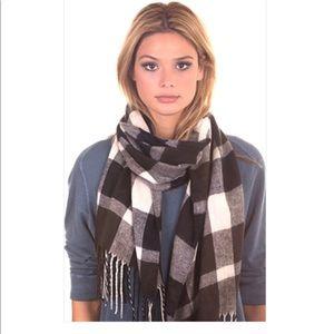 Plush apparel- ultra soft plaid scarf-navy&white